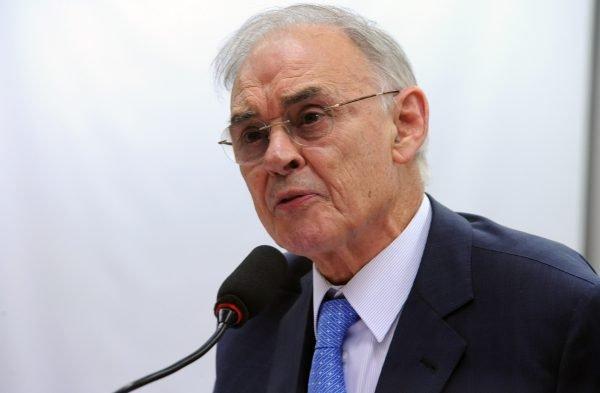 "Senador Arolde de Oliveira rebate ""fake news"" da Globo contra ele e Yvelise no caso Flordelis"